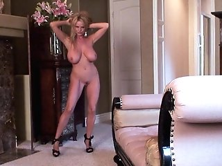 Kelly Madison's Amazing Breasts Covered In Spunk By A Nasty Paramour