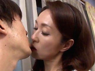 Wifey Shizuka Akiyama Stops Vacuuming So She Can Suck His Dick
