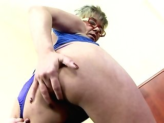 Dirty Granny Jessey Likes Getting Fucked In The Backside By A Big Black Cock