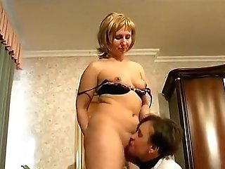 Blonde Mummy Gets Her Vagina Tongued And Hits Sexy Penis
