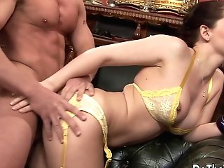 Dark Haired Wifey Karia Kare Loving Strangers Spunk-pump