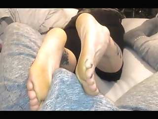 Matures Dance Instructor Natasha Gives Warm Footjob