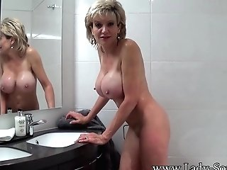 Lady Sonia Takes A Bath Then Fumbles Her Vulva