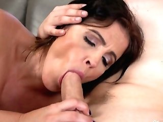 Killing Hot Mummy Montse Swapper Hooks Up With Youthfull Student Living Nextdoor