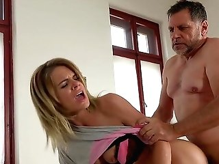 Matures Mommy Lara West Fucked In The Hospital And Slurps Jism