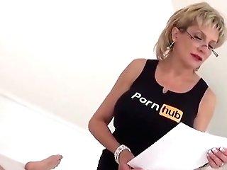 Unfaithful English Cougar Lady Sonia Displays Her Massive Brea