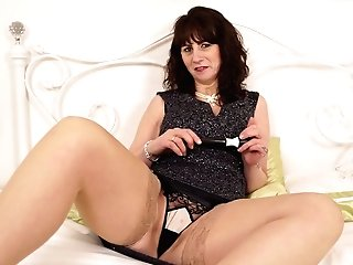 Old Housewife Toni Lace Gets Naked And Shows Yummy Bosoms And Cooch