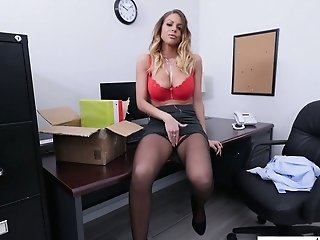 Fired Assistant Brooklyn Chase Gives Goodbye Deep Throat To Her Deviant Manager