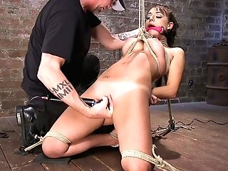 Perverted Misogynist Penalizes Puss Of Tied Up And Suspended Huge-boobed Cougar Charlotte Cross