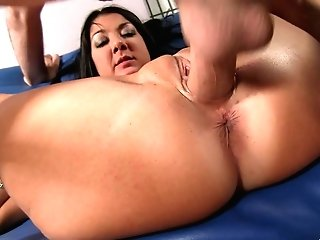 Hard-core Pounding Always Makes Nadia Night Lose Her Mind