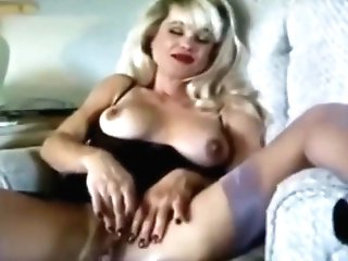 Sexy Smoking Cougar With Moist Cunny