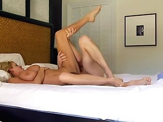 Kelly Madison's Smoothly-shaven Cunt Is All A Fantastic Man Hungers