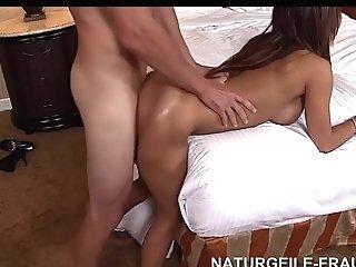 Sexy Latina Mom With Amazing Jiggly Big Bootie