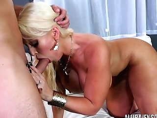 Bootylicious Cougar With Massive Baps Alura Jenson Getting Fucked