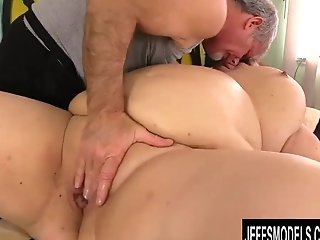 Matures Bbw Lady Lynn Gets Her Beautiful Bod Idolized By Old Masseuse
