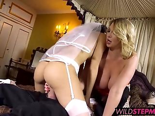 Helpful Mummy Coaches Novice Wifey How To Blow-job Fuck-stick