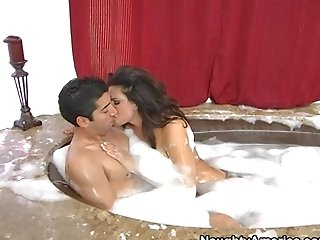 Teri Weigel Loves In Having A Hot And Arousing Bath