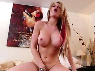 Buxom Wifey Courtney Cummz Fucking