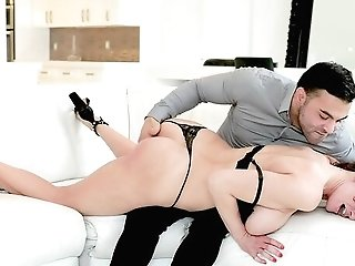 Elegant Cougar Obeys The Man And Gets Fucked In Brutal Modes