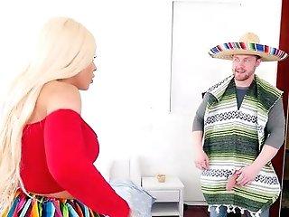 Deep Puss Gonzo For A Premium Latina Mom