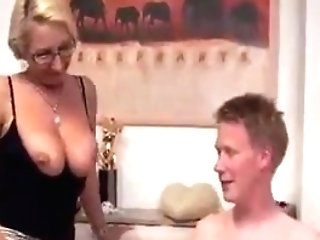 Darf Ich Ihren Arsch Ficken, Madame?