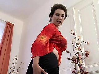 Brief Haired Black-haired Matures Unexperienced Mummy Ailana Solo Onanism
