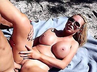 Beach Fuck-a-thon With Thick Donk Mummy Nikki Benz