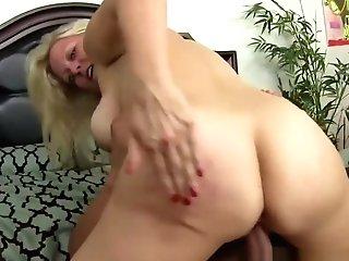 Blonde Stepmom Railing Nubile Dudes Wang