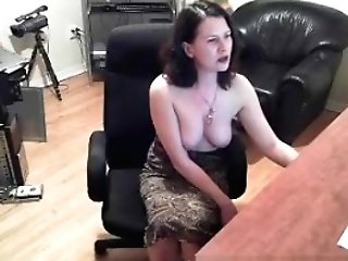 Bitchy Huge-titted Dark-haired Shows