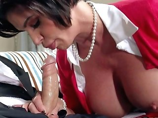 Mummy Shay Fox Bares Her Amazing Ginormous Bra-stuffers And Takes
