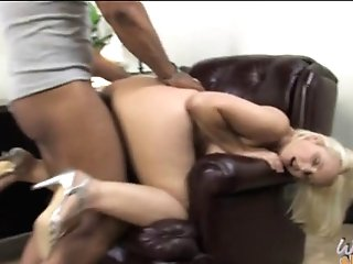 Black Bull Fucks Busty White Mom In Front Of Her Son