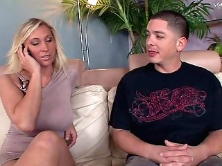 Man Sausage Loving Skillful And Experienced Blonde Mummy Devon Lee With