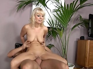 Blonde Takes Dudes Spunk Loaded Ram Cane In Her Hot Mouth