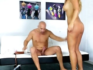 Hot Tempered Argentinian Mummy Carol Ferrer Gives Her Head And Rails A Dick