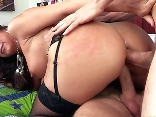 Kaylynn Is A Horny As Hell Jummy Mummy With Sexy
