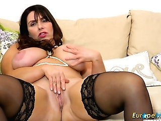 Europemature Horny Josephine And Her Vibing Plaything