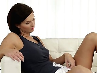 Ultra-kinky Ultra-cutie Jennifer Jane Deep Throats Big Thick Dick And Gets Her Gash Rear End Fucked