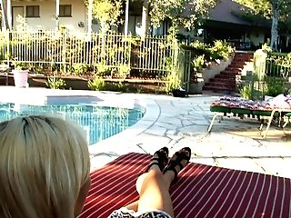 Vag Tonguing By The Pool With Kiki Daire And Alessandra Noir