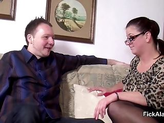 Stepmom Entice Step-son To Fuck Her While Dad Away