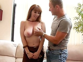 Mommy Senses Like Going Wild And Dirty With The Neighbor's Lollipop