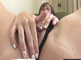 Big Rump Black-haired Fingerfucks And Playthings Herself