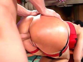 Meaty Tits Mummy Makes Employee Fuck Her