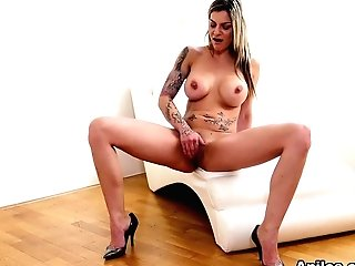 Klarisa Leone In Matures Cooter Pleasure - Anilos