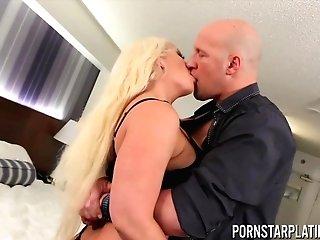 Big Tit Blonde Alura Jenson Has Her Fuck Fuckhole Slammed