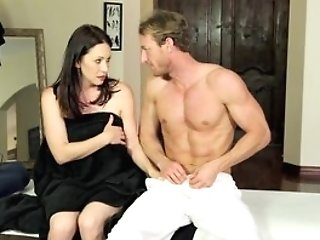 Curvy Mummy Rayveness Tricked Into Fucking