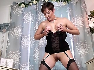 Fledgling Homemade Movie Of Matures Kitty Creamer Having Solo Joy