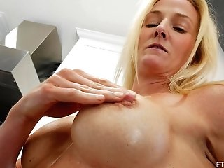 Mummy Sydney Stimulates Both Of Her Fuckholes With Fucktoys