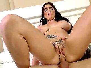 Ample Boobed Cougar Ginger Elle Goes Wild On A Hard Bone After Titfuck