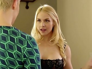 Smoking Hot Masseuse Sarah Vandella Is Making Love With Sexy Customer