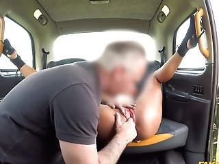 Energized Wifey Gets The Cab Driver's Man Meat For A Few Rounds